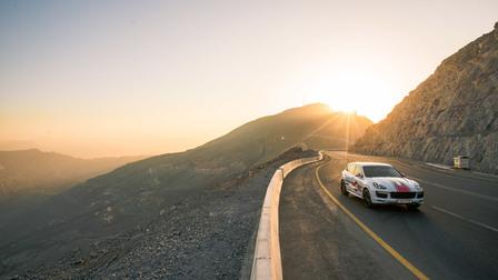 Porsche In Ras-Al-Khaimah, onwards to Jebel Jais