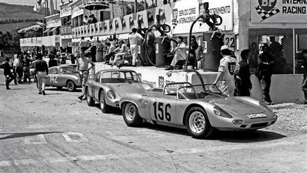 Porsche 718 W-RS Spyder (r.), 1963