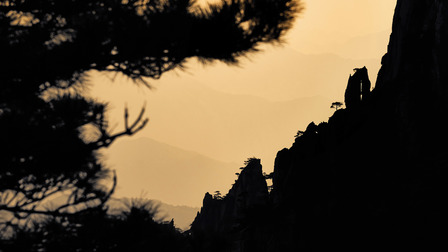 Shadow play in the Huangshan mountains