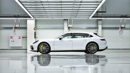 Porsche The new Panamera Sport Turismo