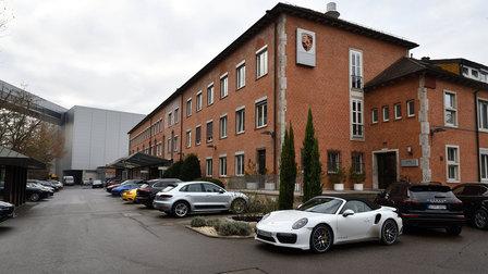 Porsche 2016: Haupteingang des Werk 1