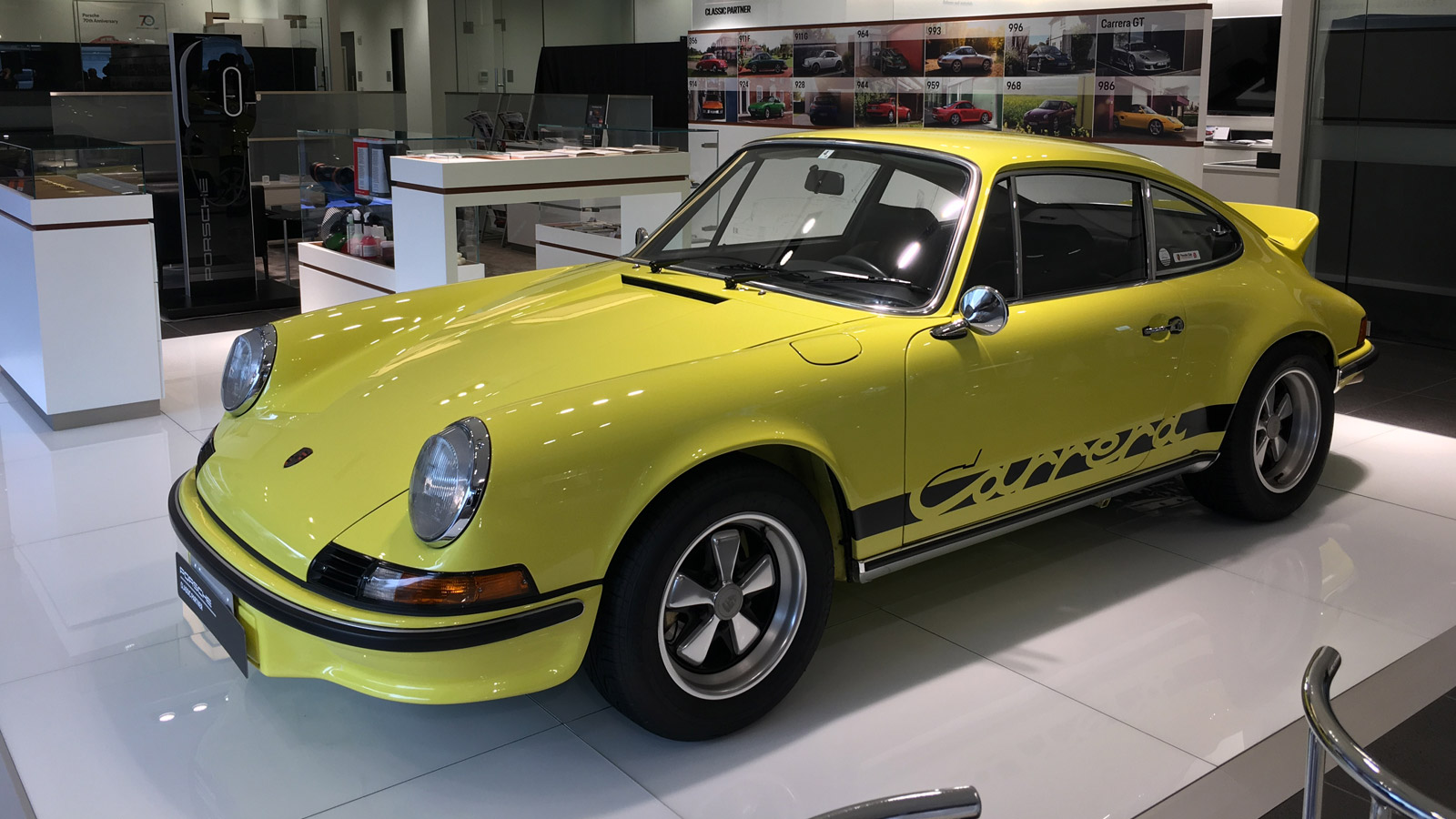 Porsche - Порше Центр Сакаи