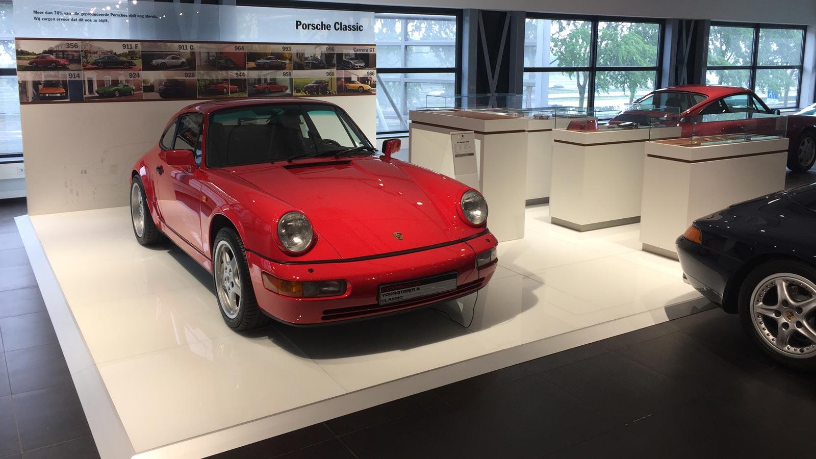 Porsche - Порше Центр Амстердам