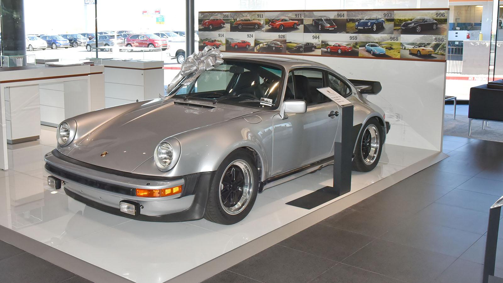 Porsche - Гаудин Порше Лас Вегас
