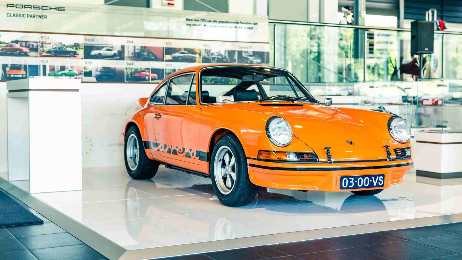 Porsche - Порше Центр Leusden