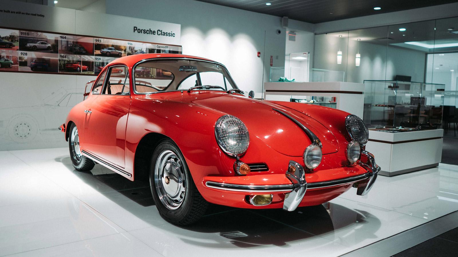 Porsche - Порше Нейплтон Вестмонт