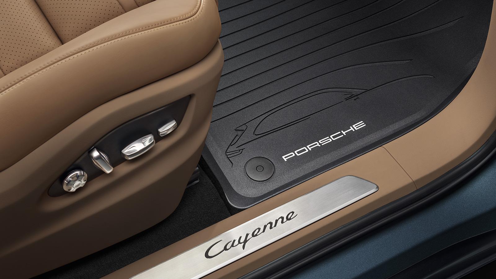 Porsche - Салон